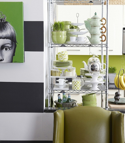 Small-Rental-Apartment-colorful-kitchenware