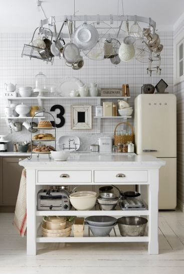 leila-lindholm-kitchen-sweden-country-island